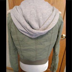 🎀3/$25🎀 Olive jacket with hood, size XS